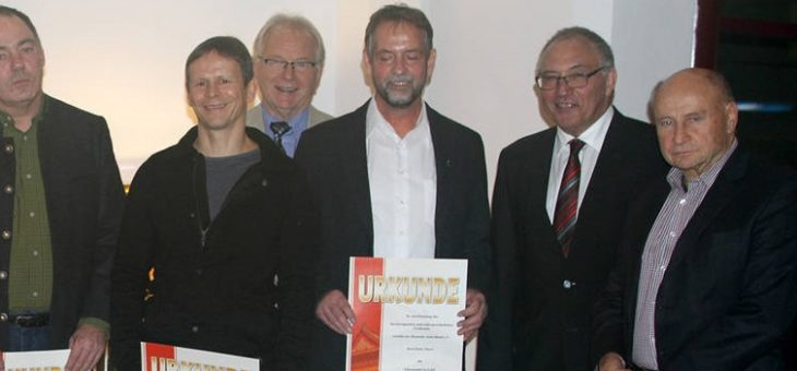 Goldiger Segen für unseren Finanzmanager Karl-Heinz Meyer