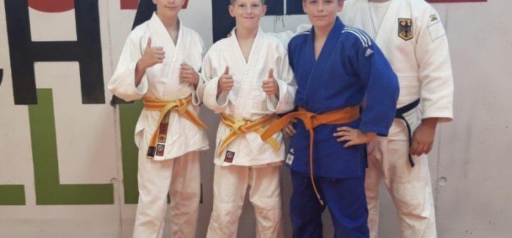 Judoka der Schule Ronzelenstraße beim Trainingslager in Hannover